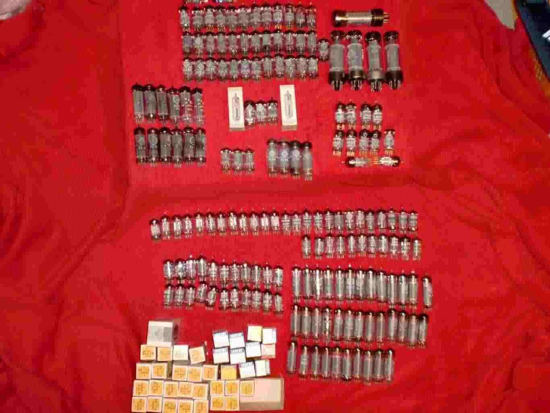 Lotto di 207 Tubi ECC83/ECC82/EL34/ECC801S/ELL80/ECLL800/EL84/E188CC/E88CC