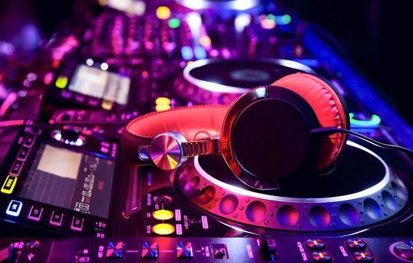 Noleggio amplificazioni audio video luci Rent Sound Systems & Lighting