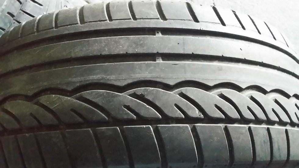 235/55 R17 99H Dunlop