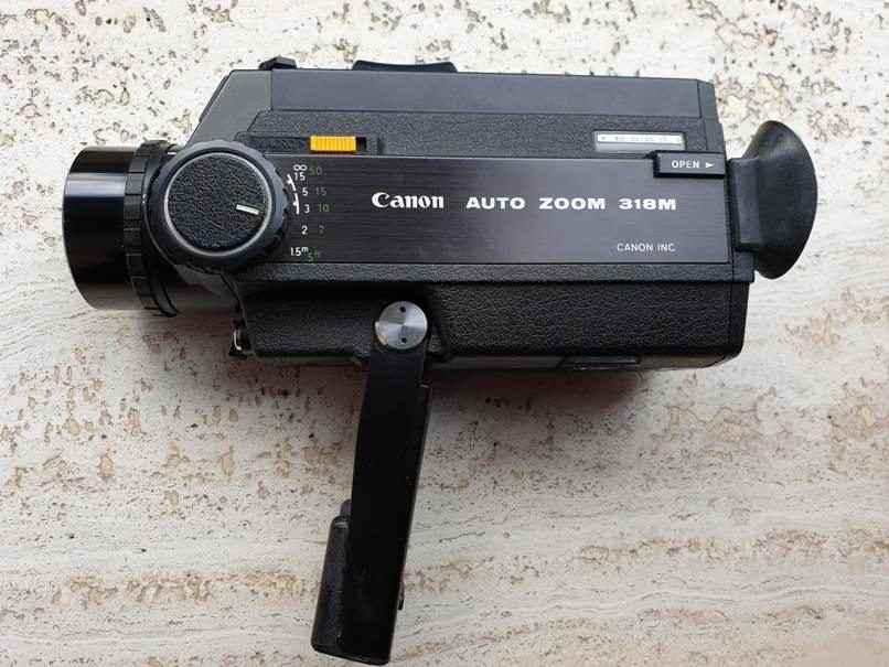 Cinepresa Canon auto zoom 318m