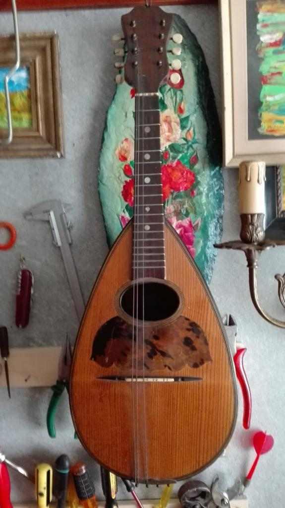 antico mandolino con autentica
