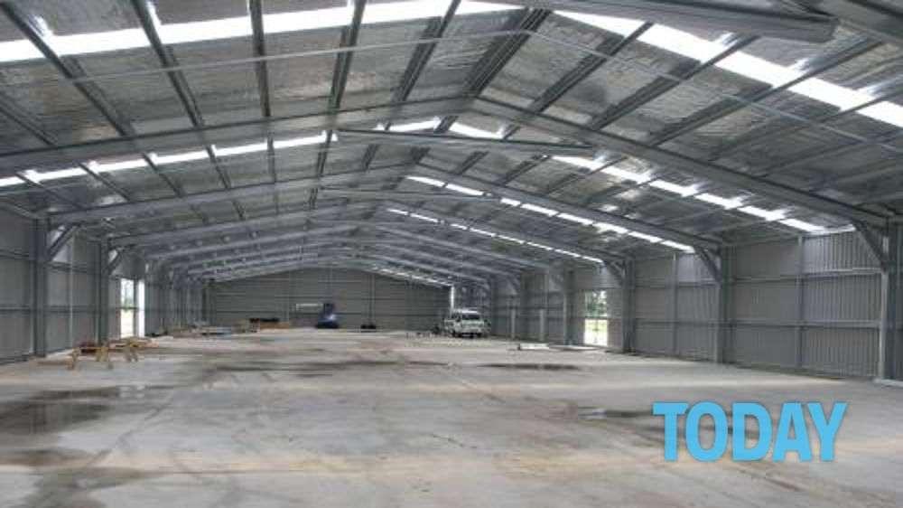 affittasi capannone industriale ad uso magazzino