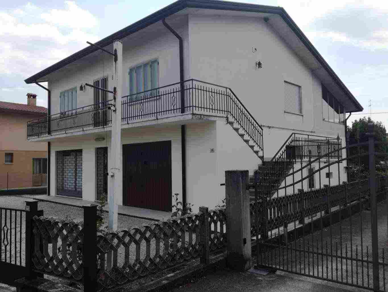 Casa singola abitabile