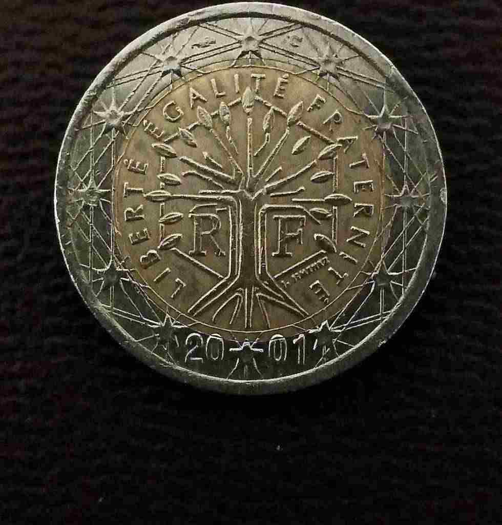 2  euro  FRANCIA  2001 con notevoli &quotERRORI di CONIO""