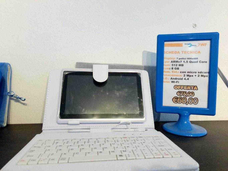 NUOVO - Tablet WiFi e Bluetooth - Memoria 8Gb