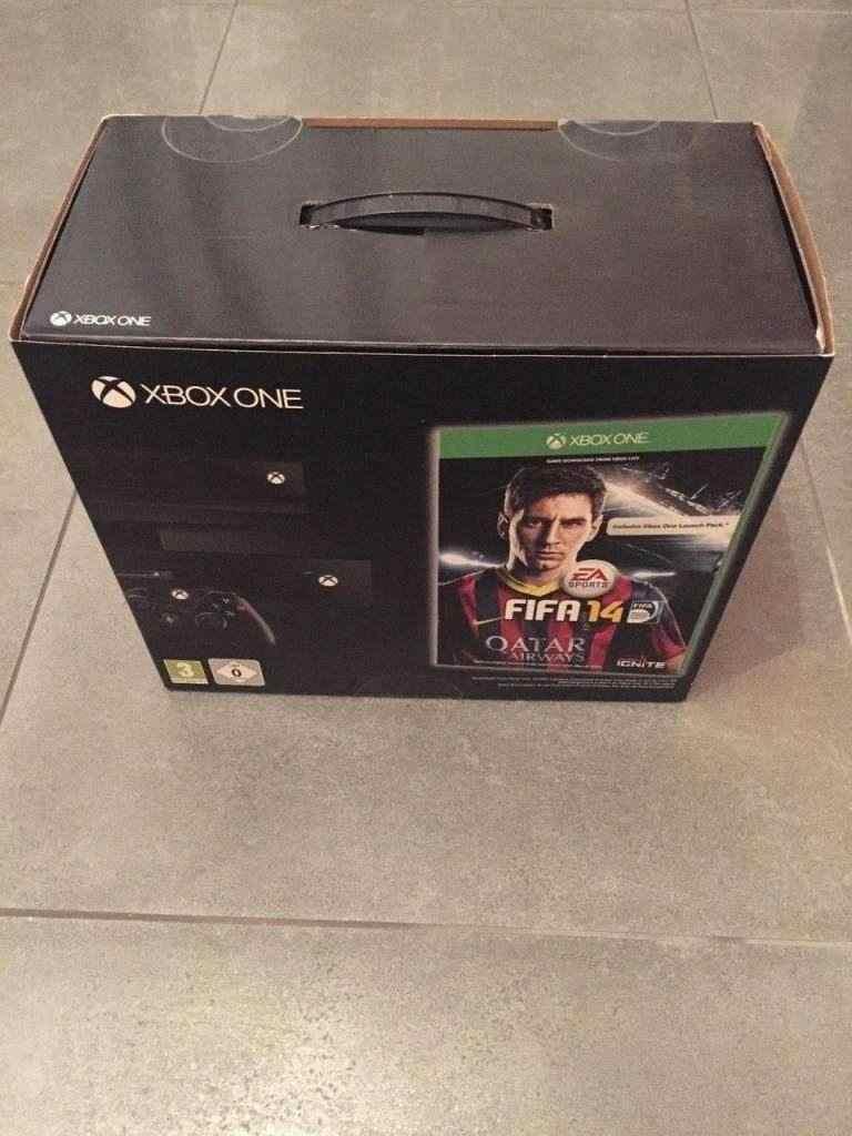 Xbox One Console + Kincet Day One Edition Fifa 14 Pal Nuovo Sigillata