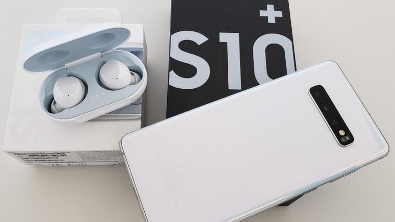 Samsung Galaxy S10Plus 1TB e Galaxy Buds Original smartphone