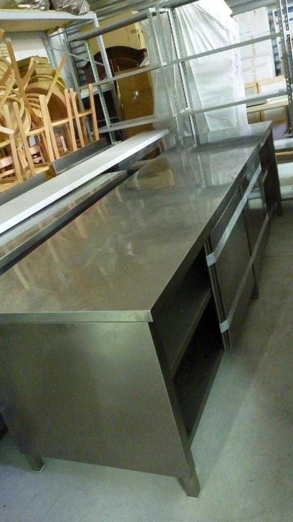 Tavolo armadiato con doppia apertura