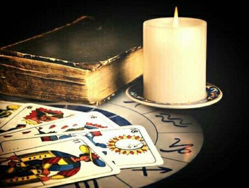 Il Mago Giovane sensitivo torino mago cartomante lettura tarocchi cartomanzia magia nera legami
