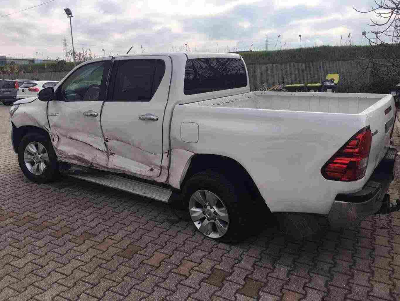 compro auto incidentate toscana T 3355609958
