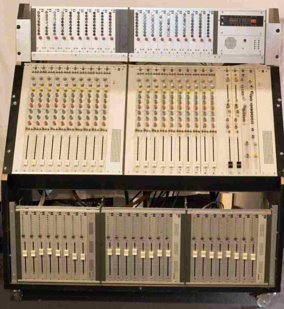 EMT console di mixaggio Analogico