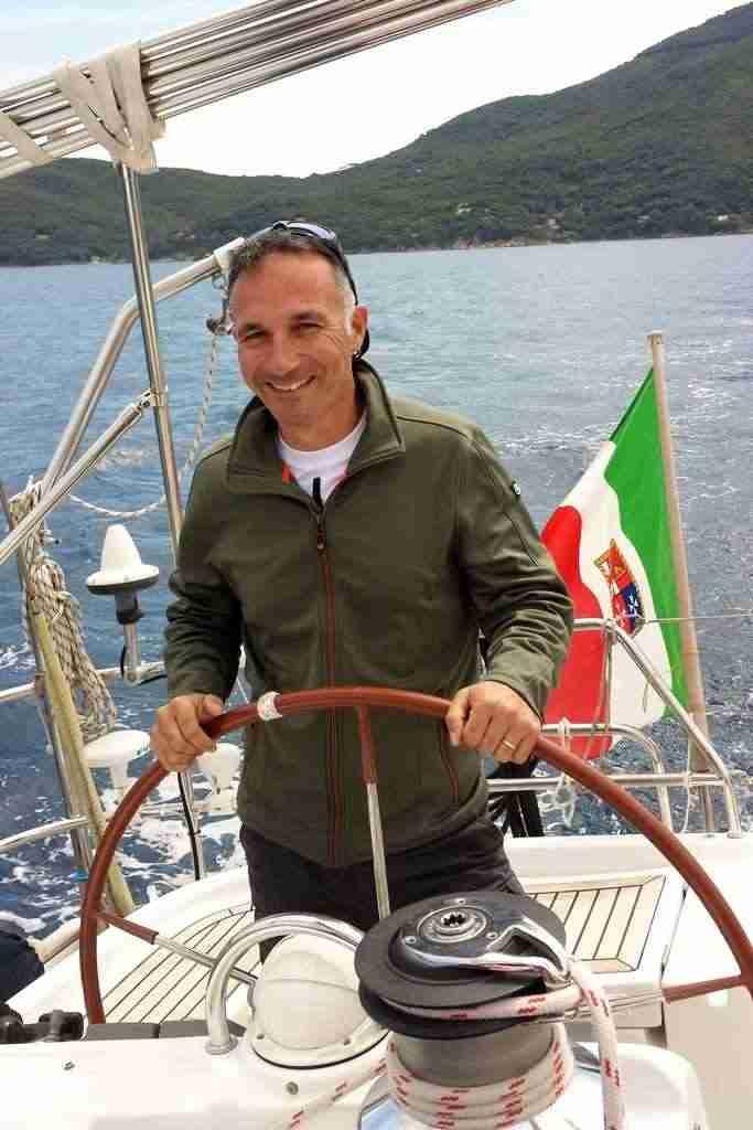 Skipper disponibile barca a vela catamarano yacht trasferimenti