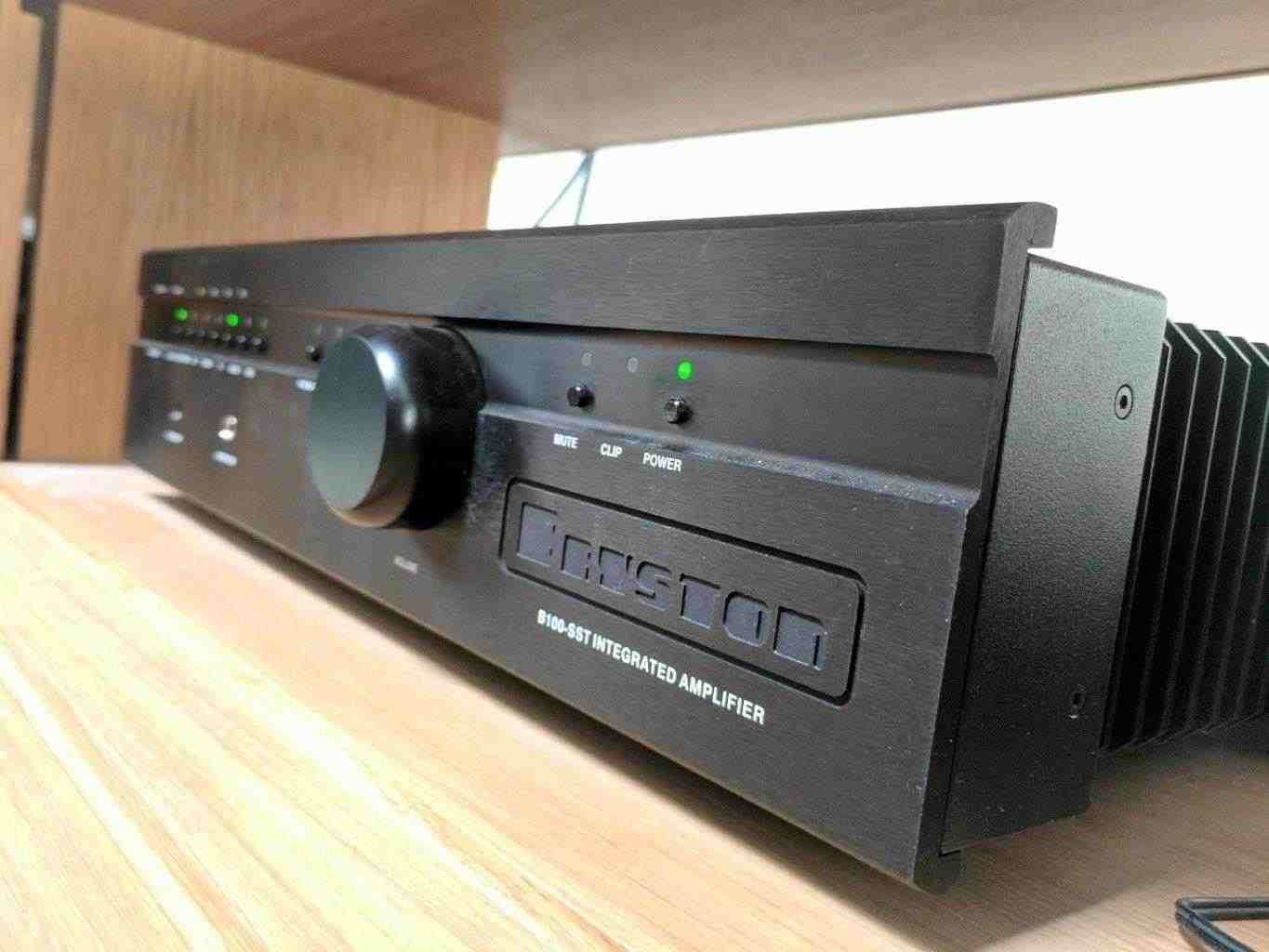 Bryston B100 SST Integrated Amplifier with DAC