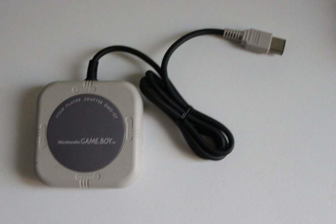 DMG-07 Nintendo Game Boy Multitap usato buone condizioni e funzionante
