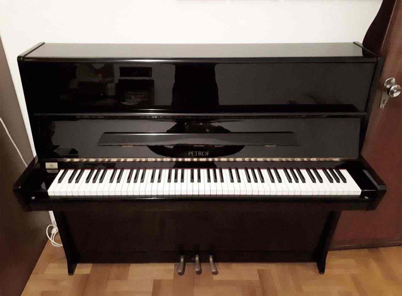 PIANOFORTE VERTICALE PETROF