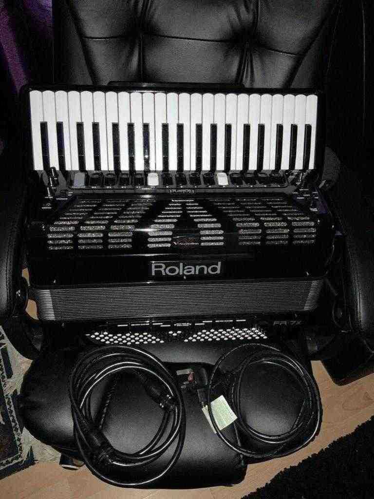 Fisarmonica ROLAND V accordion FR-7x