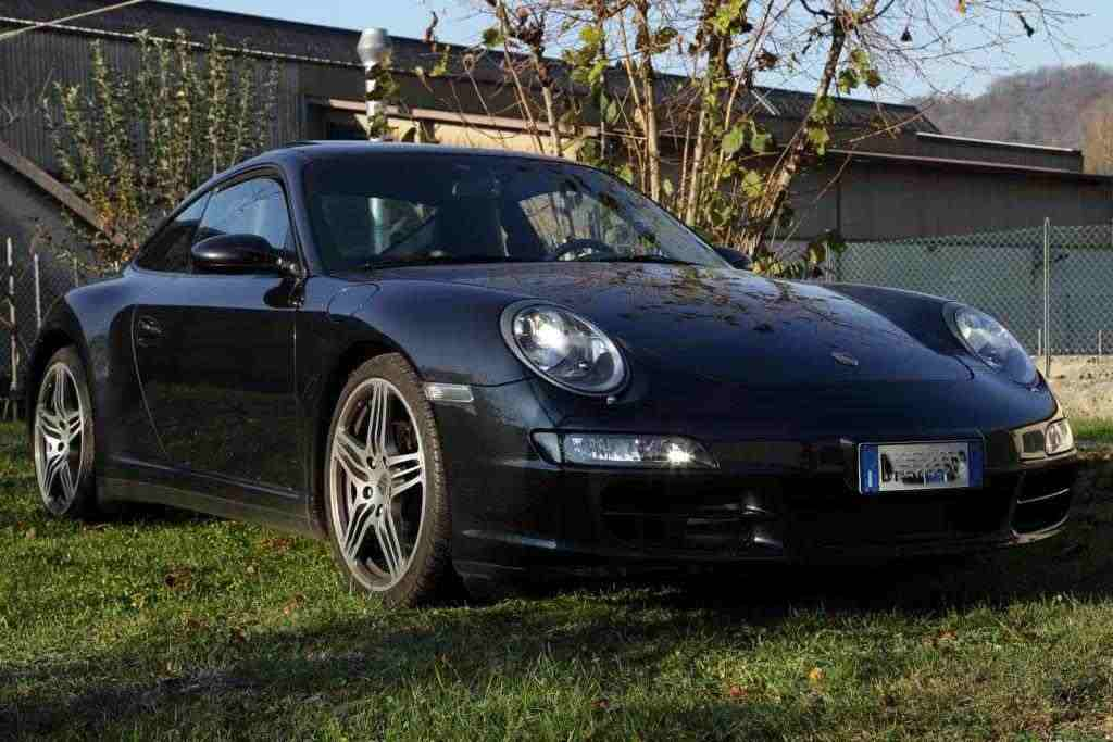 Porsche 911 (997) Carrera 4 Coupe'
