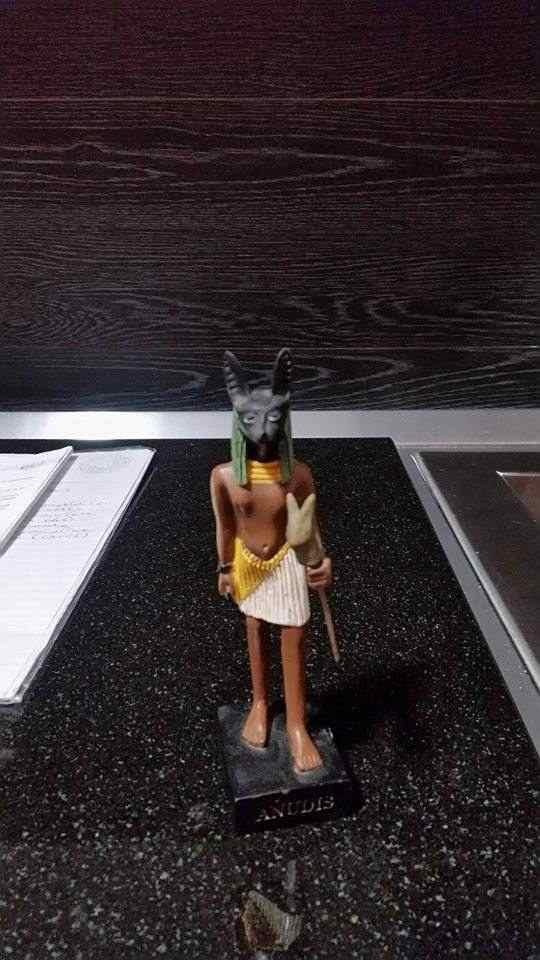 Statuetta raffigurante il Dio Anubi