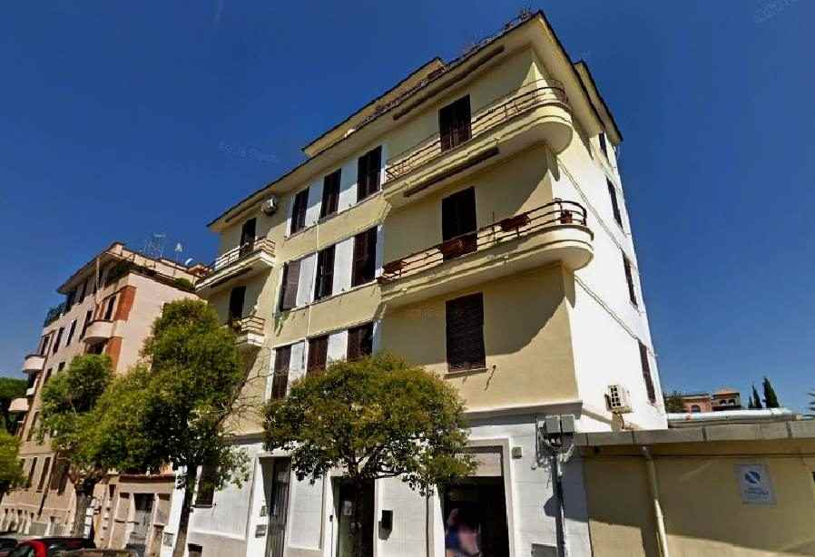 Trilocale in vendita in via Carlo Pisacane
