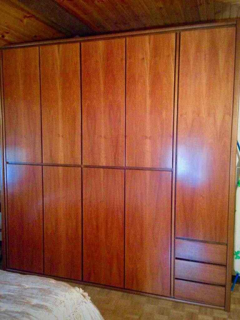 Camera matrimoniale in legno massiccio