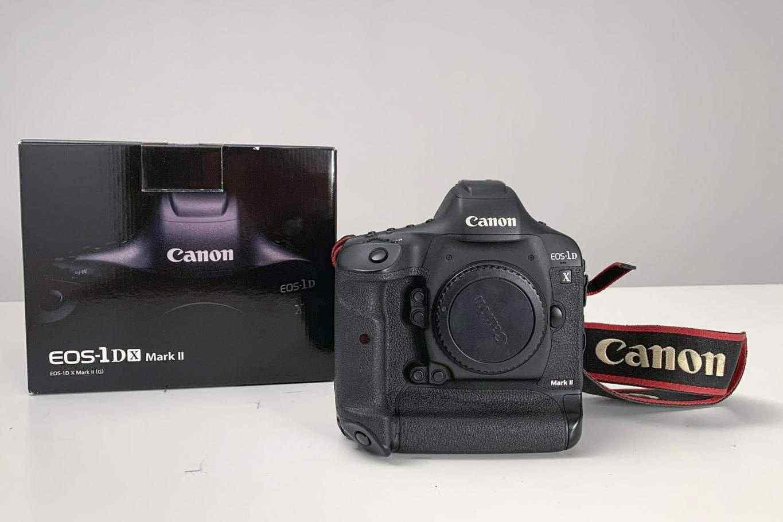 Canon 1Dx mark II + 2 Cfast 64gb