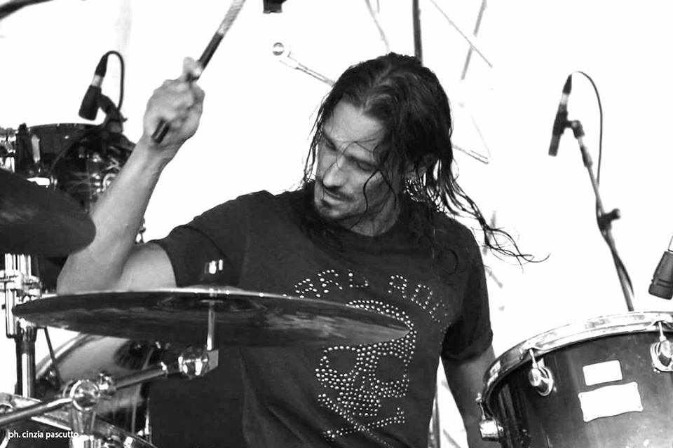 Lezioni di batteria (batterista Raintime/Fake Idols)