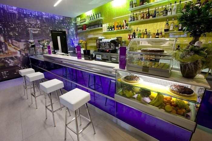 Banchi bar nuovi completi