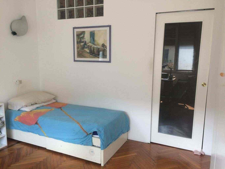 Camera con bagno e uso cucina in zona semicentrale