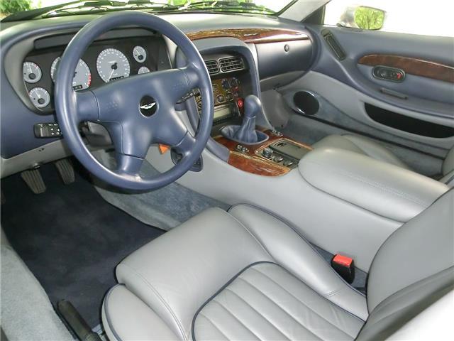 Aston Martin DB7 332