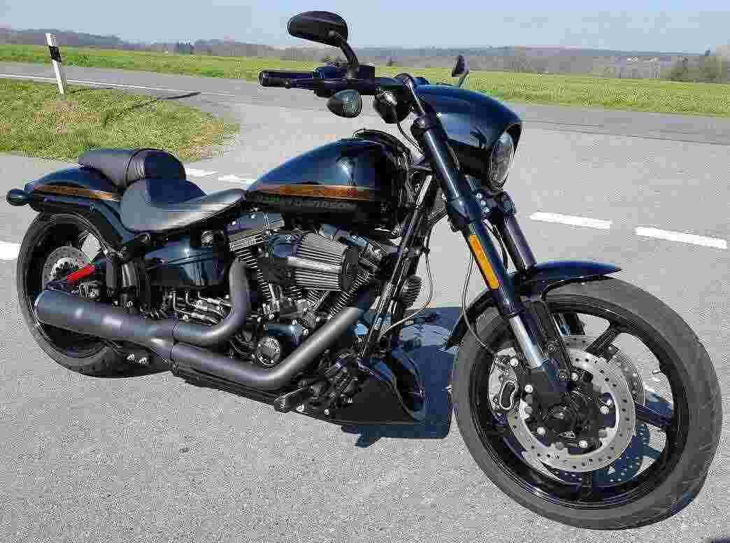 Harley-Davidson FXSE CVO Pro Street Breakout