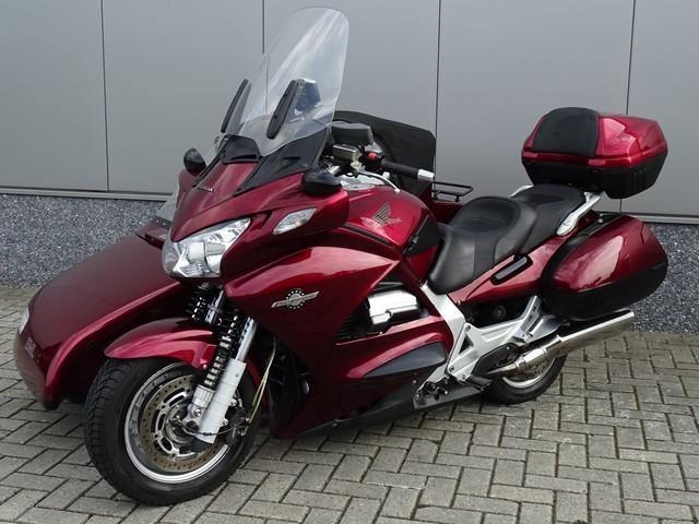 2005 Honda ST 1300 1.300 cm³