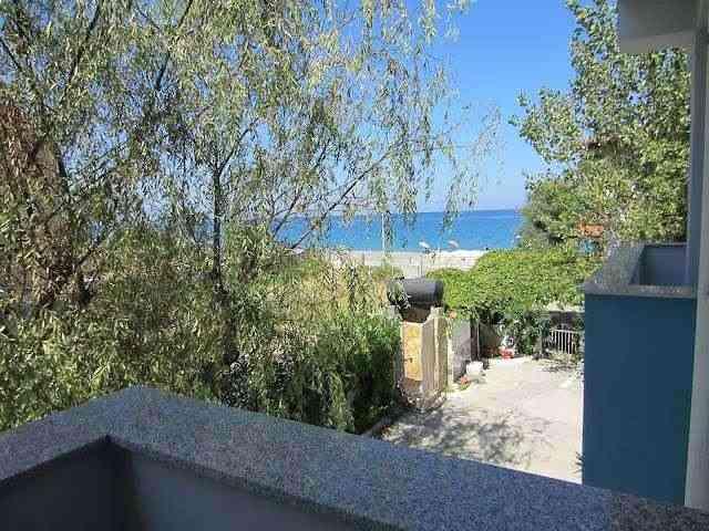 casa vacanza a 20m dal mare pulito in zona privata ottimo per bambini