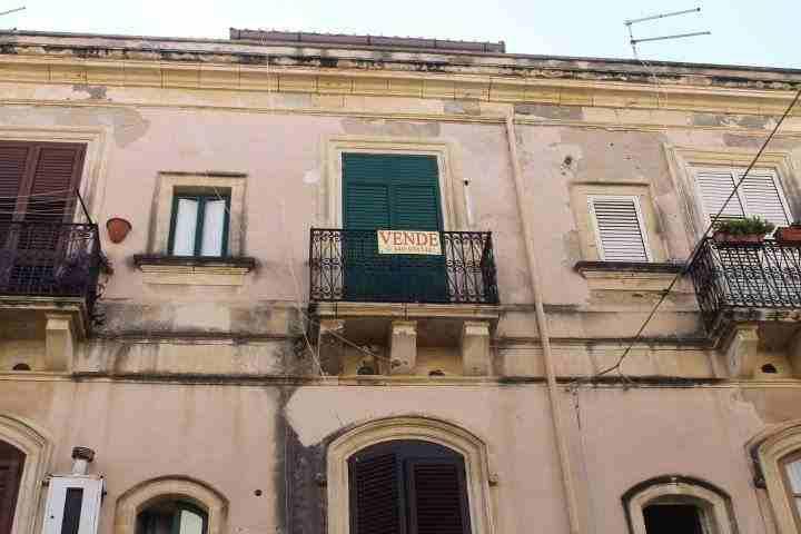 appartamento vendita 3 vani più terrazzo siracusa
