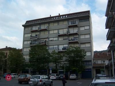 Broni  (Pavia)   piazza del mercato piano 5,  appartamento