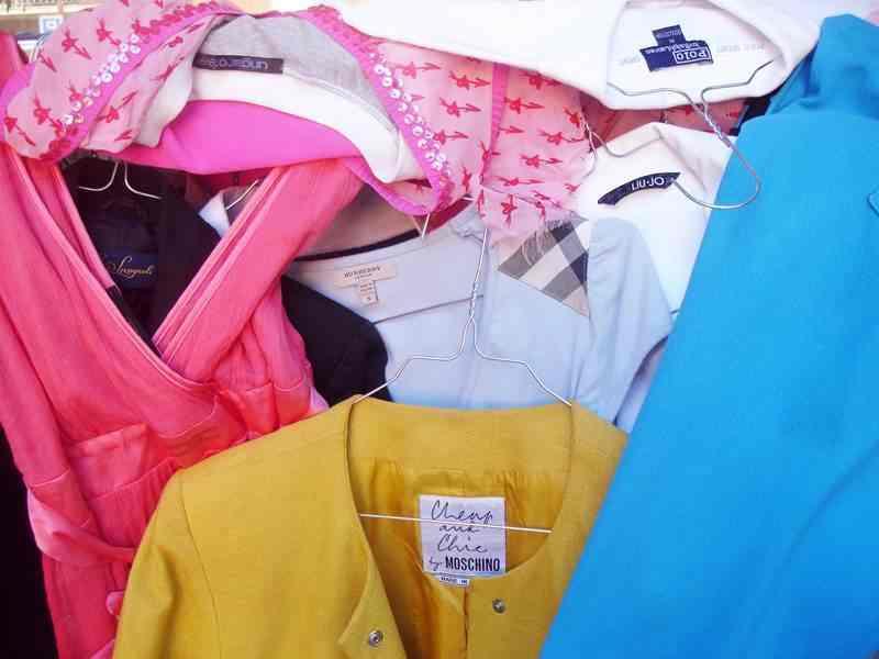 Stock Abbigliamento Firmato Usato al Kg Chilo - Uomo Donna Bambino