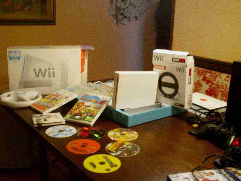 Wii Nintendo con regalo Playstation 2° e tanti giochi