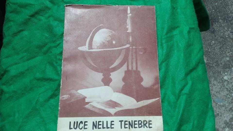 LUCE NELLE TENEBRE libro religioso