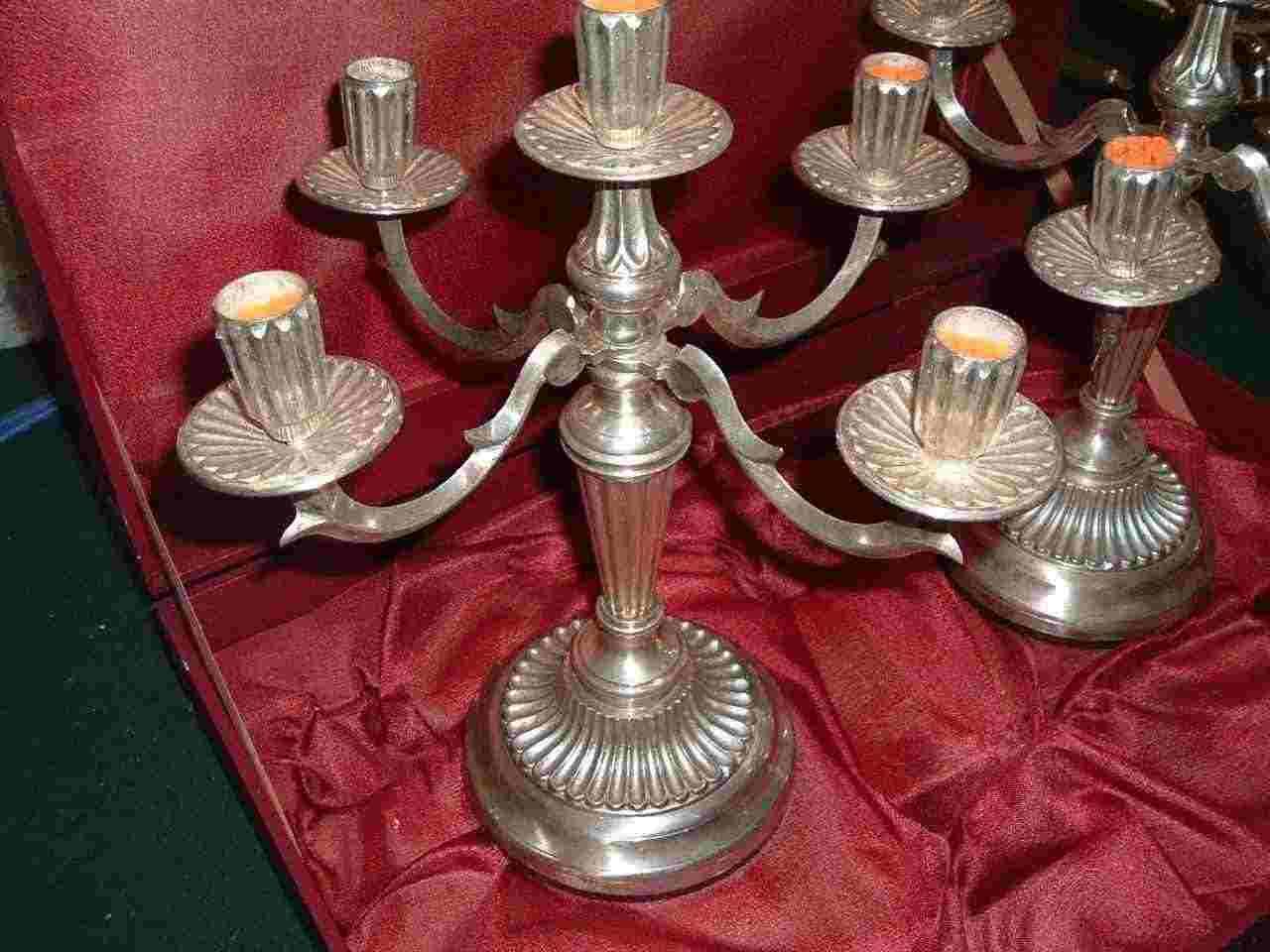 Coppia di candelabri  5 luci Metallo Fortemente Argentati