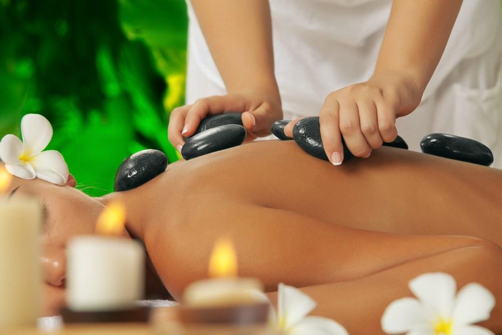 Massaggio Hot  Stone pietre calde
