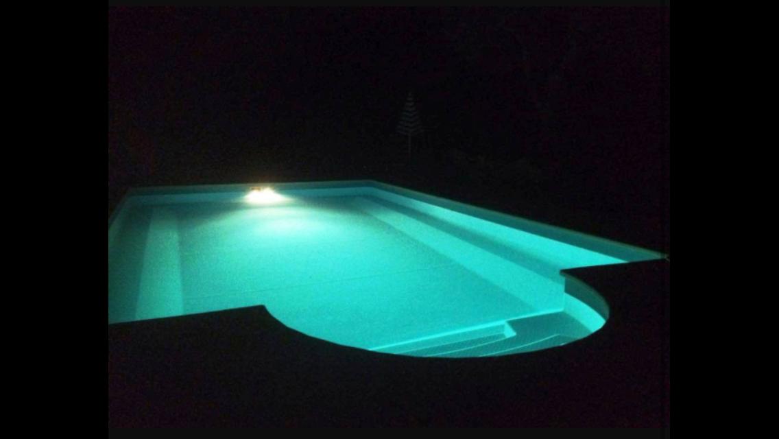 Costruzini piscine moderne