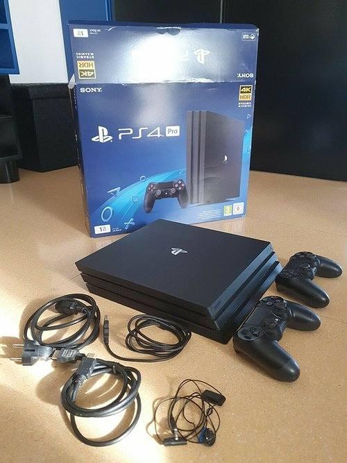 PS4 PRO 1TB + 2 CONTROLLER PS4 UFFICIALI - USATO