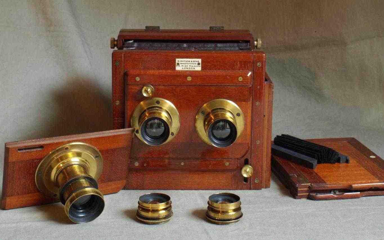 Watson 1/2 plate Stereo mahogany plate camera c1895