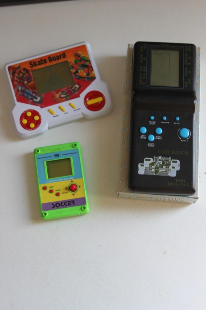 Lotto 3 scacciapensieri Video Giochi vintage retrogame Elettronici LCD anni 90