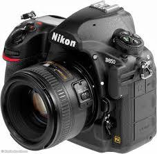 Fotocamera DSLR Nikon D850 (solo corpo)