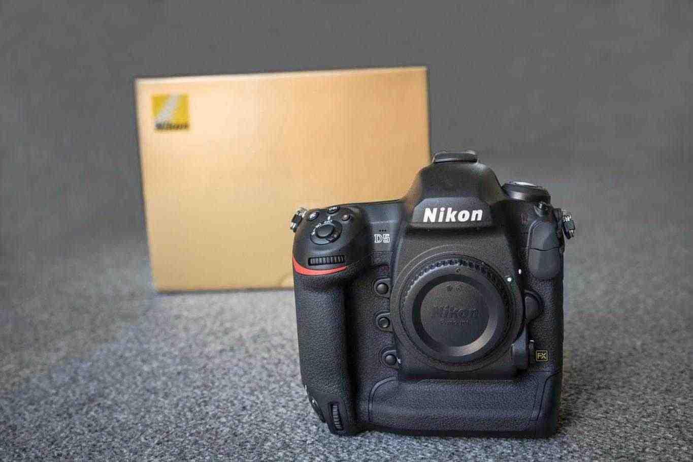 Nikon D5 fotocamera digitale professionale