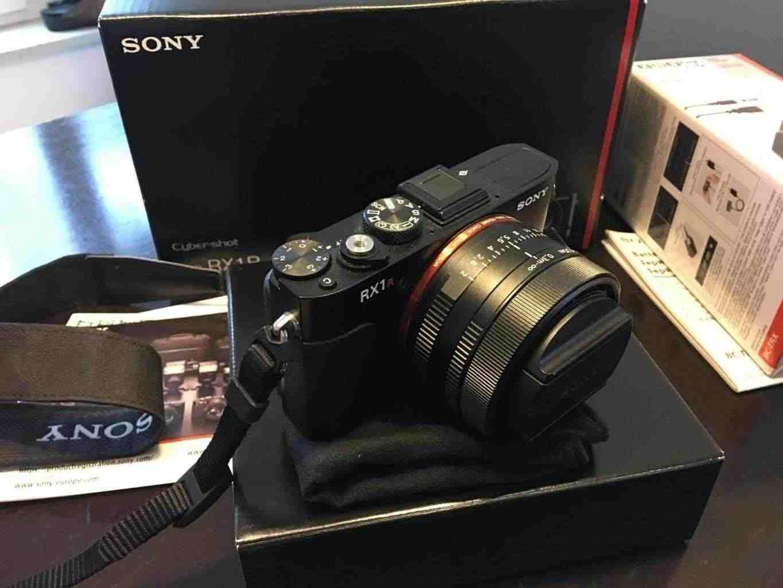Sony rx1r con sensore formato pieno, garanzia e pacchetto accessori!come nuovo!