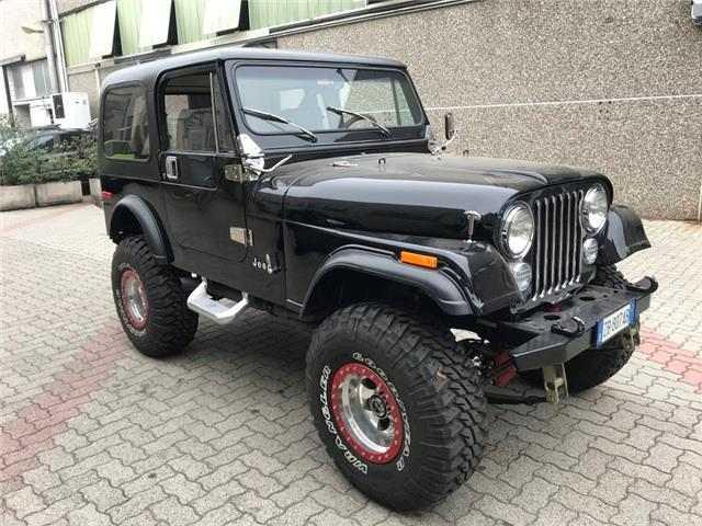 Jeep CJ-7 5.000 v8 automatico