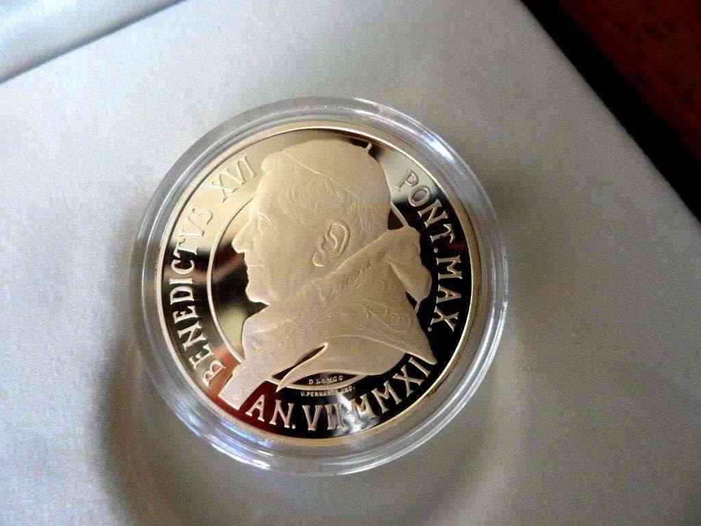 Moneta commemorativa Pontificate di Benedict XVI 2011