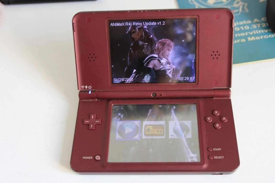 Console NINTENDO DSi XL con scheda R4