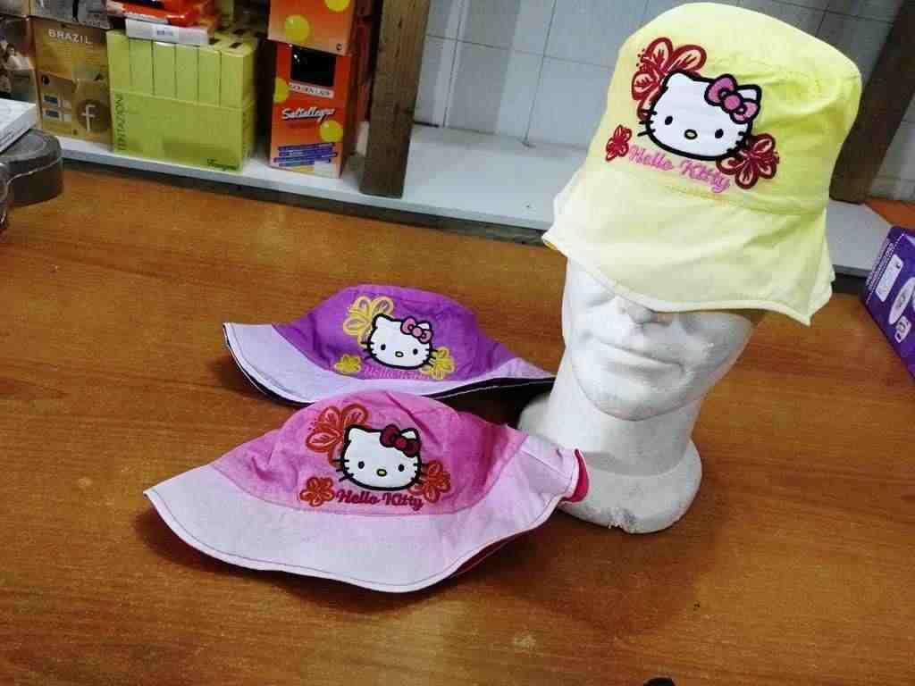 cappelli firmati a1 euro